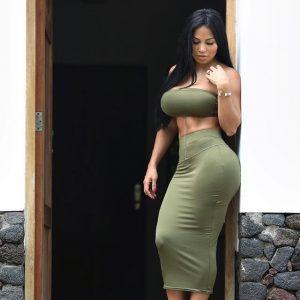 Photo sexy de jeune mère coquine sur le 49